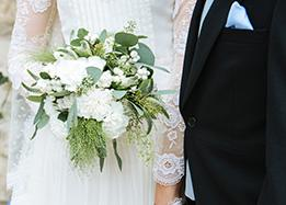 bride's bouquet - wedding in the loire valley