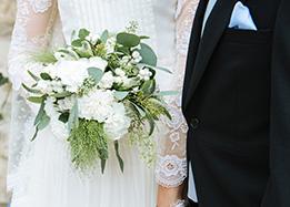 bride's bouquet - wedding in the loire valley