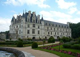 chateau of chenonceau in the loire valley