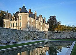 chateau hotel in the loire valley
