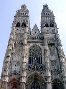 tours-cathedral.jpg